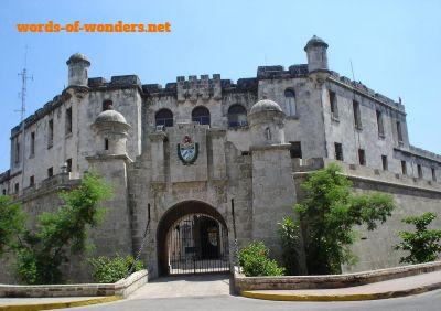 words wonders castillo real fuerza